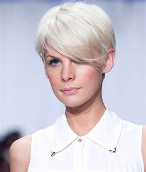 shagy short with silver highlights haistyles 20 short pixie haircuts femininity and practicality