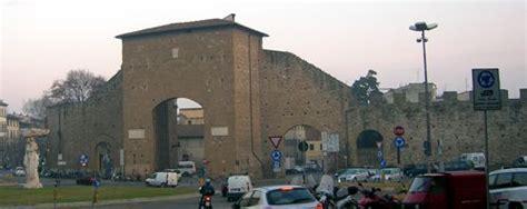 parcheggio porta romana firenze vicino a dove stavamo nel 2002 e nel 2006