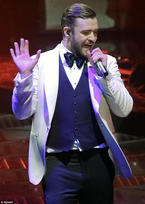 Does Biel Deserve To A Singing Career by Justin Timberlake Photo