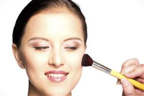 Mac Makeup Application by Mac Makeup Artist To Your Home 4k Wallpapers