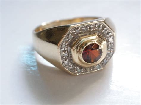 585 gold ring with garnet catawiki