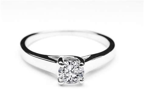 engagement ring classic solitaire trellis