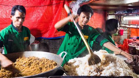 indonesian street food giant fried rice  jakarta