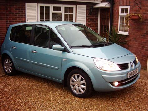 renault scenic dynamique 1 6 six speed 5 seater 2008 08