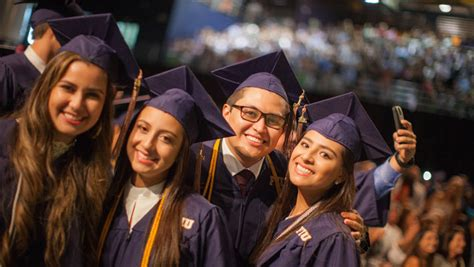 Mba Fiu Ranking by College Of Business Awards More Than 1 000 Degrees At Fiu