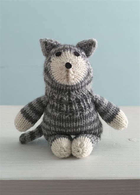 Yarn Kitty Pattern | purrfect kitty sock critter in lion brand wool ease