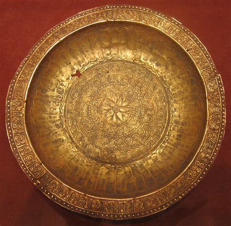 gold copper 248009 jpg wikipedia file ceremonial dish piring mas southeast moluccas