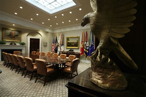 Trump White House Redecorating by This Is The First Thing Donald Trump Changed In The Oval