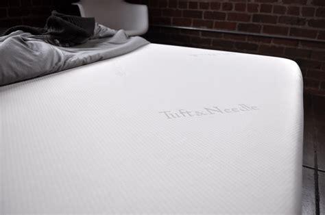 needle bed 6 steps to create a minimalist bedroom design sleepopolis