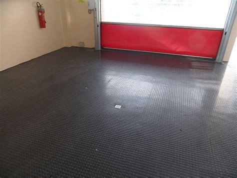 pavimento in gomma a bolli pavimenti in pvc como cant 249 tmt tappeti moquette tende