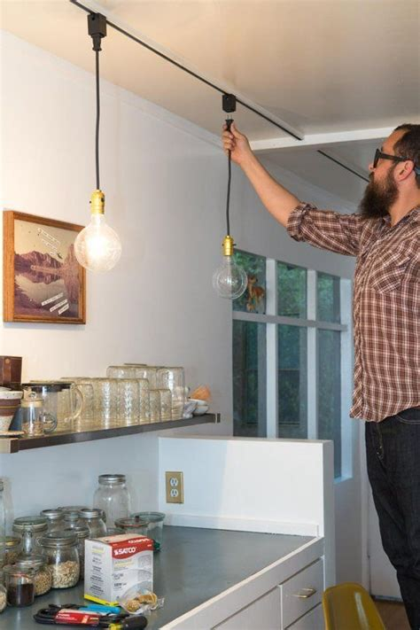 Track Lighting Esszimmer Say Goodbye To Dated Track Lighting With This Easy Diy