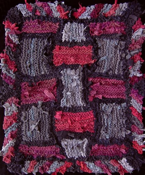 t shirt rag rug pattern red and gray lattice hand knit rag rug made from