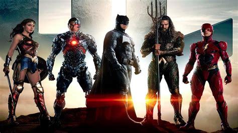 quando esce il film justice league justice league il team guarda l orizzonte nel nuovo