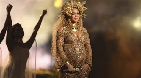 grammy awards 2017 pregnant and proud beyonce storms the
