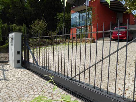 moderne vord cher tor f 252 r hofeinfahrt ziertore aus schmiedeeisen zaun