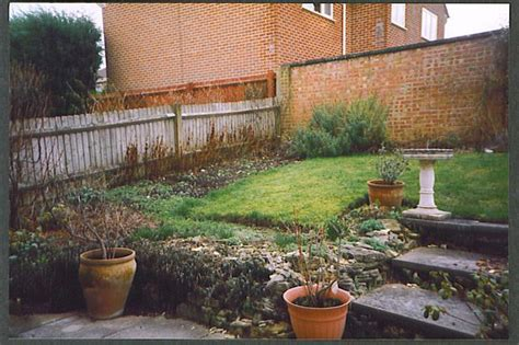 Sloping Garden Ideas Photos Image Gallery Sloped Garden