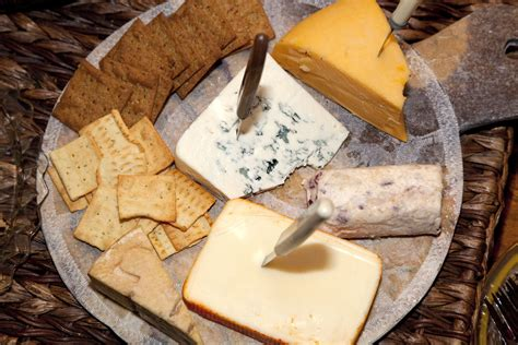 tips  serving crackers  cheese