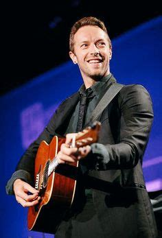 biography of chris martin coldplay it was all yellow how chris martin has colored my life