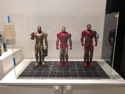 scale figures display case place hot toys