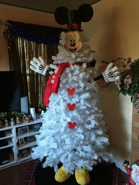 1000 ideas about mickey mouse christmas tree on pinterest