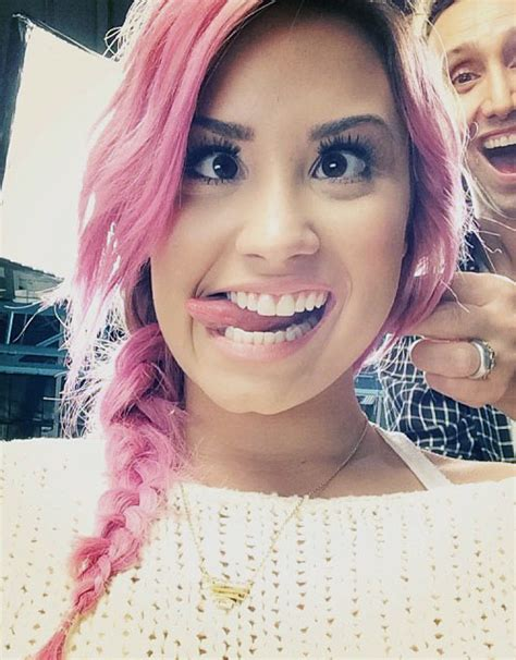 demi lovato inspired pink purple dip dye ombre hair demi lovato with pink hair
