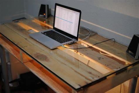 schreibtische aus paletten paletten tisch schreibtisch selber bauen tisch aus