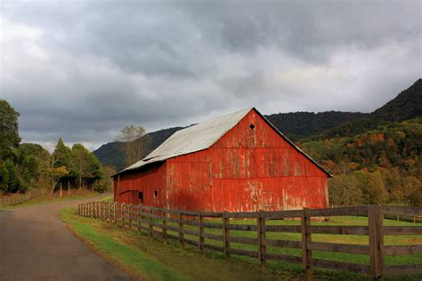 red barn red barn in poor valley linda hinchey foundmyself