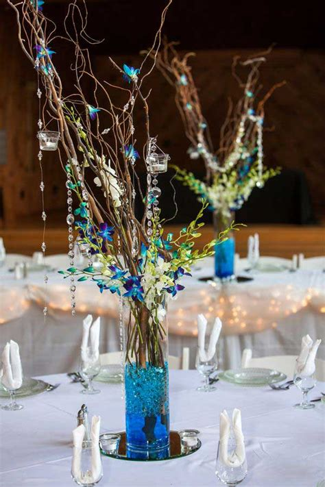 Vase With Feathers 19 Lovely Summer Wedding Centerpiece Ideas Will Amaze Your