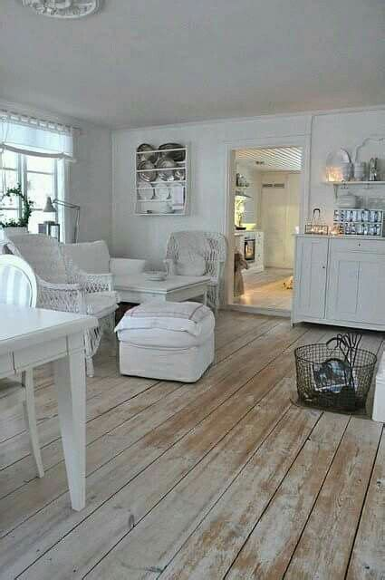 Discounted Carlisle Wood Flooring - 1000 ideas about distressed wood floors on