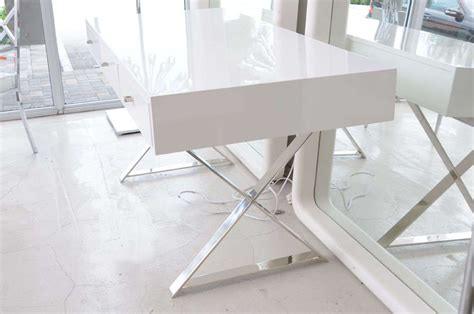 white lacquer desk with drawers the white lacquer desk