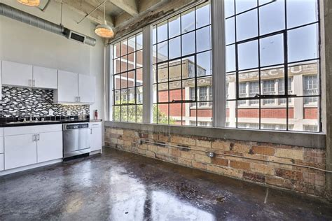 Photos and Video of Deep Ellum Lofts in Dallas, TX