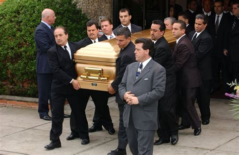 rosemary clooney still alive john gotti is laid to rest in queens in 2002 ny daily news