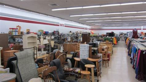 Furniture Stores In Waterbury Ct by Thrift Store In Waterbury White Blue Thrift Store
