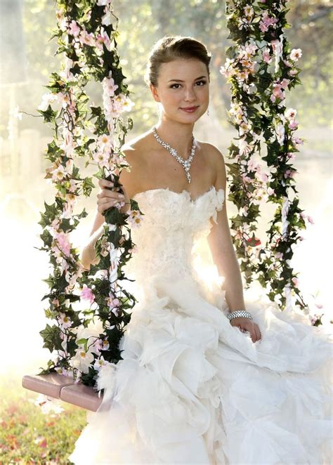 revenge emily vanc wedding emily thorne wedding looks and hair and makeup on pinterest