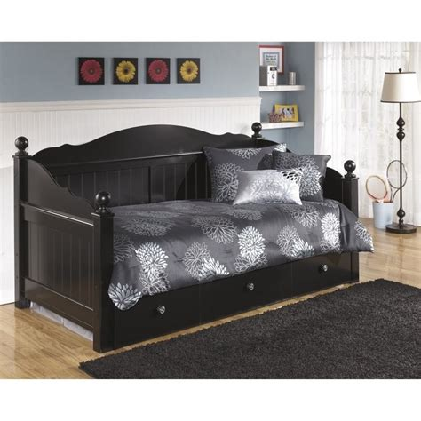 Black Daybed With Trundle Jaidyn Wood Daybed With Trundle In Black B100 81
