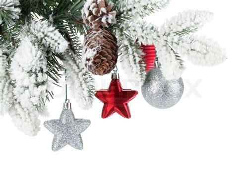 dekor schnee tanne zweig mit weihnachts dekor mit schnee bedeckt