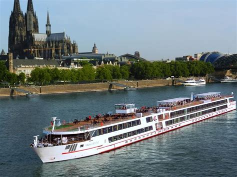 31 breathtaking images from river cruises - Small River Boat Cruises In Europe