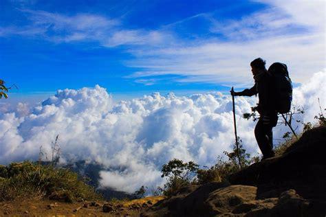 Naik Gunung gambar kartun naik gunung gokil abis
