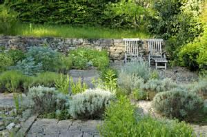 un jardin fleuri et parfum 233 au du p 233 rigord d 233 tente
