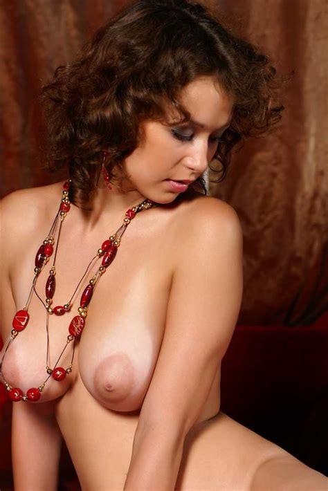 Hermosa Tetona Pelirroja Desnuda Te Matara Veronika I Poringa