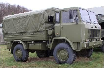 autodemolizioni pavia si ribalta autocarro dell esercito due militari al pronto