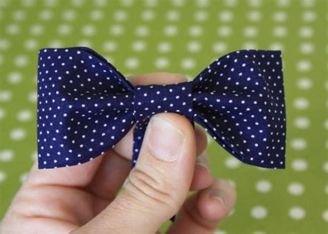 How To Make A Bow Tie Out Of Tissue Paper - bow tie tutorial the pleated poppy