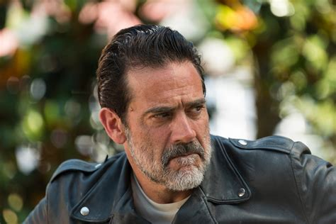 negan isn t the only thing ruining the walking dead but