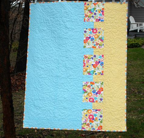 Baby Quilt Backing by Modern Quilt Relish Baby Bites Free Modern Baby Quilt Pattern