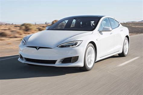 Who Is Tesla Tesla Model S 60 75 2017 Motor Trend Car Of The Year