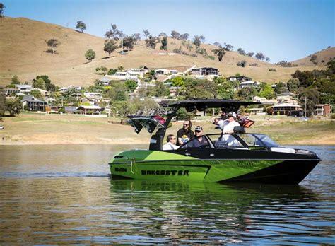 malibu wakeboard boat weight see the new malibu boats 2016 range trade boats australia