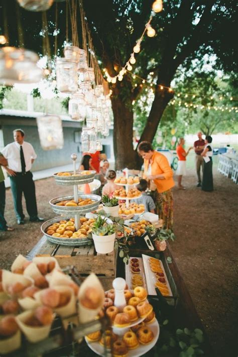 food ideas for backyard wedding best 25 wedding food tables ideas on pinterest pizza