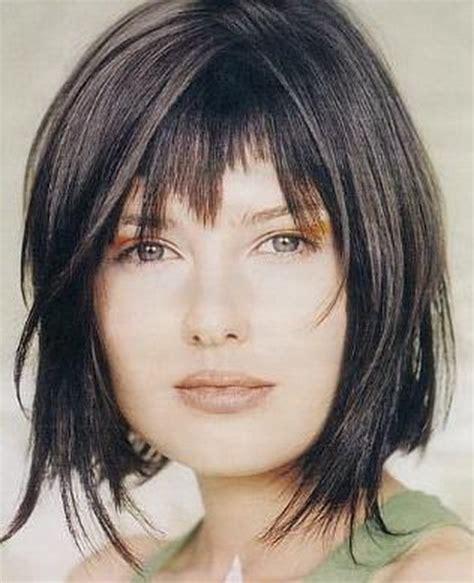 hair cuts uneven lengths foto tagli capelli medio corti scalati