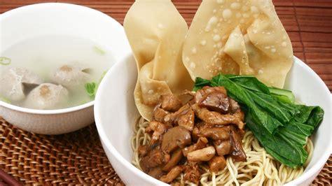 membuat mie ayam yamin limakaki lomie kuliner asli tionghoa kini bisa dinikmati