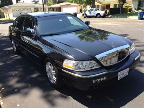 Car L by Sell Used 2011 Lincoln Town Car Executive L Sedan 4 Door 4